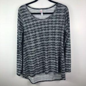 LulaRoe gray geometric long sleeve hi low tee